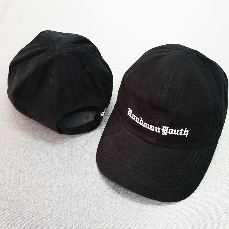 หมวกแบรนด์สีดำ RUNDOWN YOUTH
