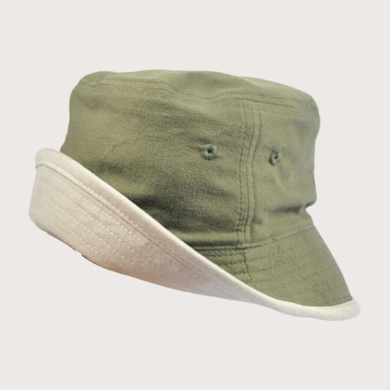 หมวกปีกรอบสีเขียวขี้ม้า