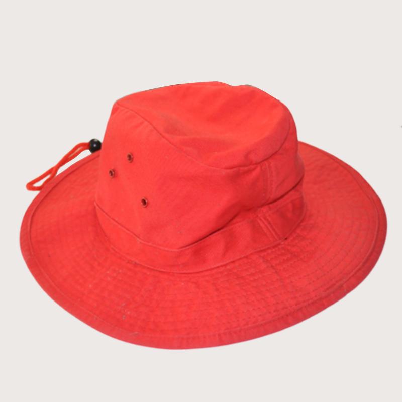 รับผลิตหมวกซาฟารีสีแดง