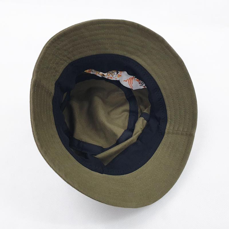 ด้านในหมวกเป็นบิงกาวาสีดำ